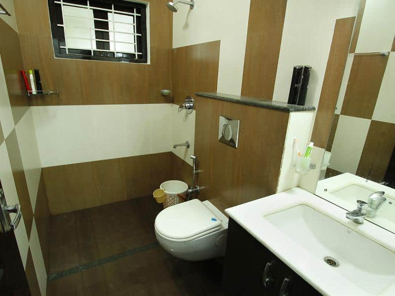 Home design idea bathroom designs kerala photos for Bathroom designs in kerala