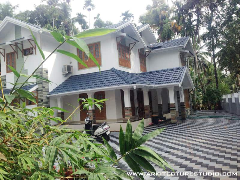 Kerala home elevation photos 3000 sq ft home design khp for Kerala house photos